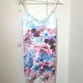 Floral tight fitting dress (Valley girl)