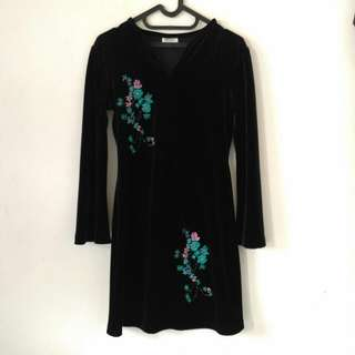 [TURUN HARGA] Bludru Black Dress