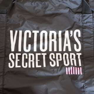 VICTORIA'S SECRET DUFFEL BAG