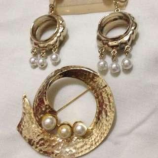 Fashion Earings/ Brooch