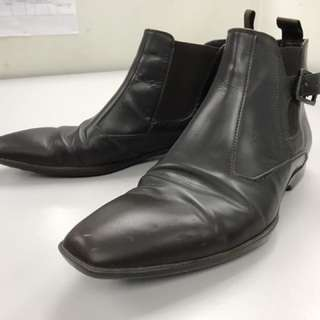 Hugo Boss Boots,size 7.Colour :brown.