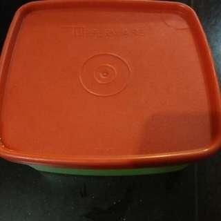 Tupperware Kotak