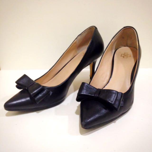 Ann Taylor 全羊皮小尖頭高跟鞋