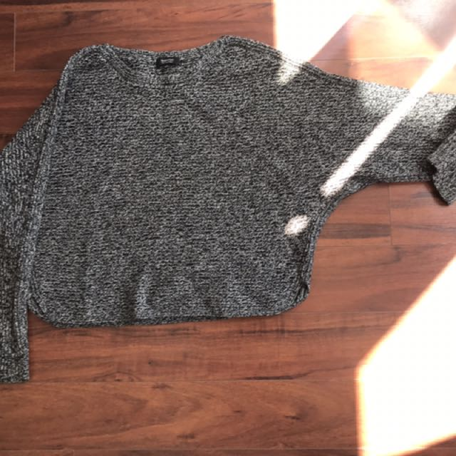 Aritzia Cashmere Crop Sweater Size S