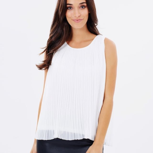 NEW Atmos & Here White Pleated Sleeveless Blouse