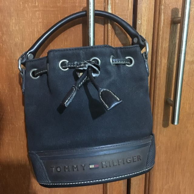 Authentic Tommy Hilfiger Bucket Small Bag
