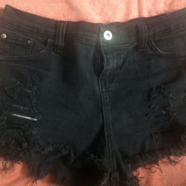Black Distressed Short