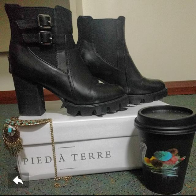 Boots (Size 35)
