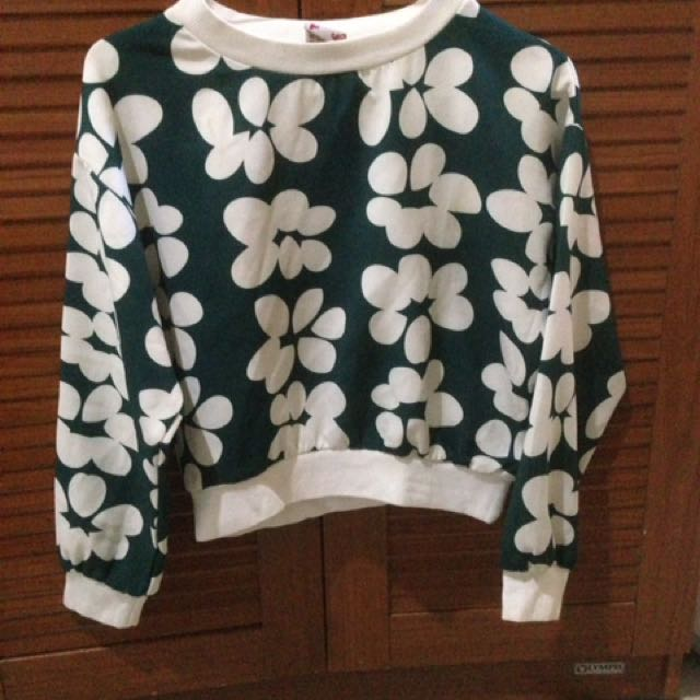 Camomile Flowery Crop Sweater