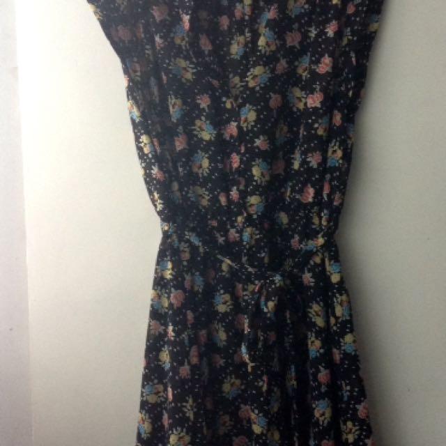 Forever21 Black Floral Dress