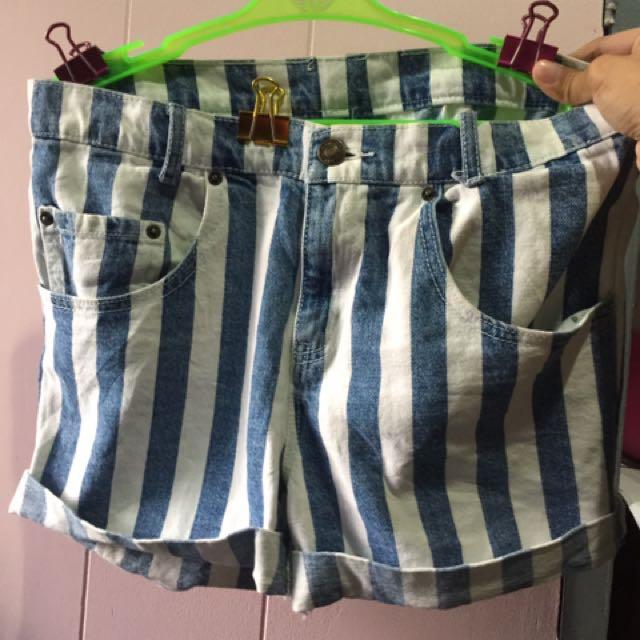 Forever 21 F21 Highwaist Denim Shorts