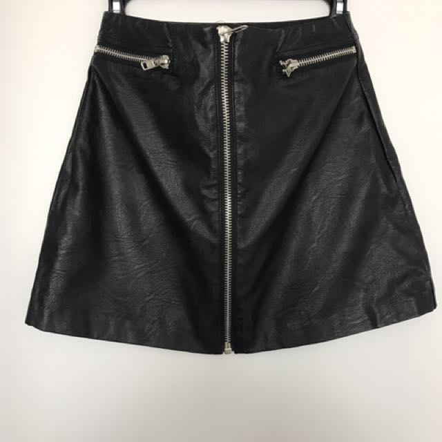 Front Zipper Faux Leather Skirt