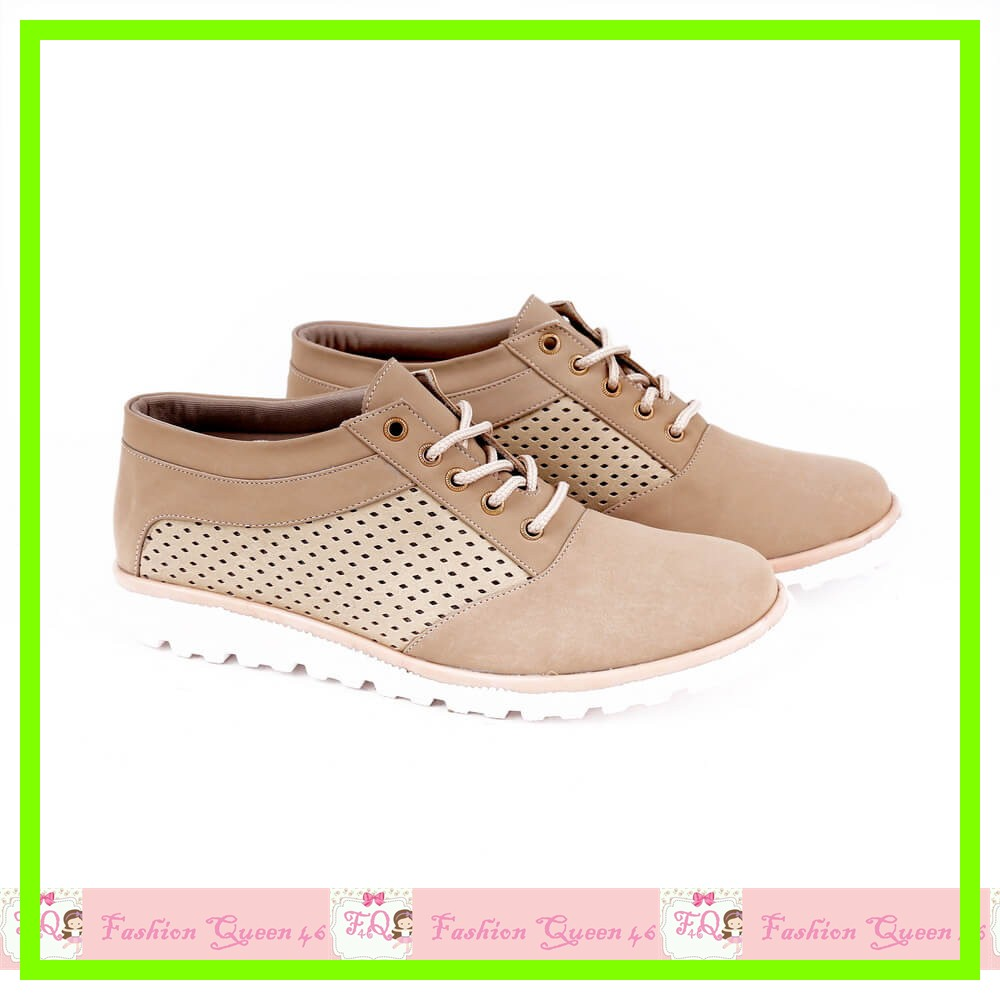 GARSH 2033 Sepatu Boot Wanita Cream boot CEWE SEPATU WANITA SEPATU K murah, Olshop Fashion on Carousell