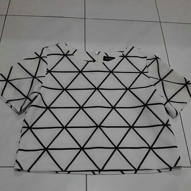 Geommetric Crop Top