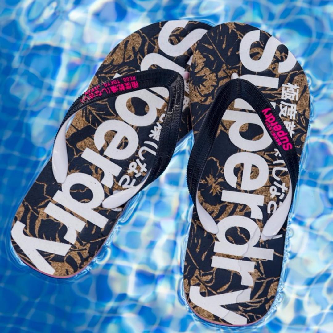 「i」【預購】極度乾燥 Superdry 女款 大LOGO舒適鞋面/耐磨底 海灘拖 人字拖 夾腳托鞋