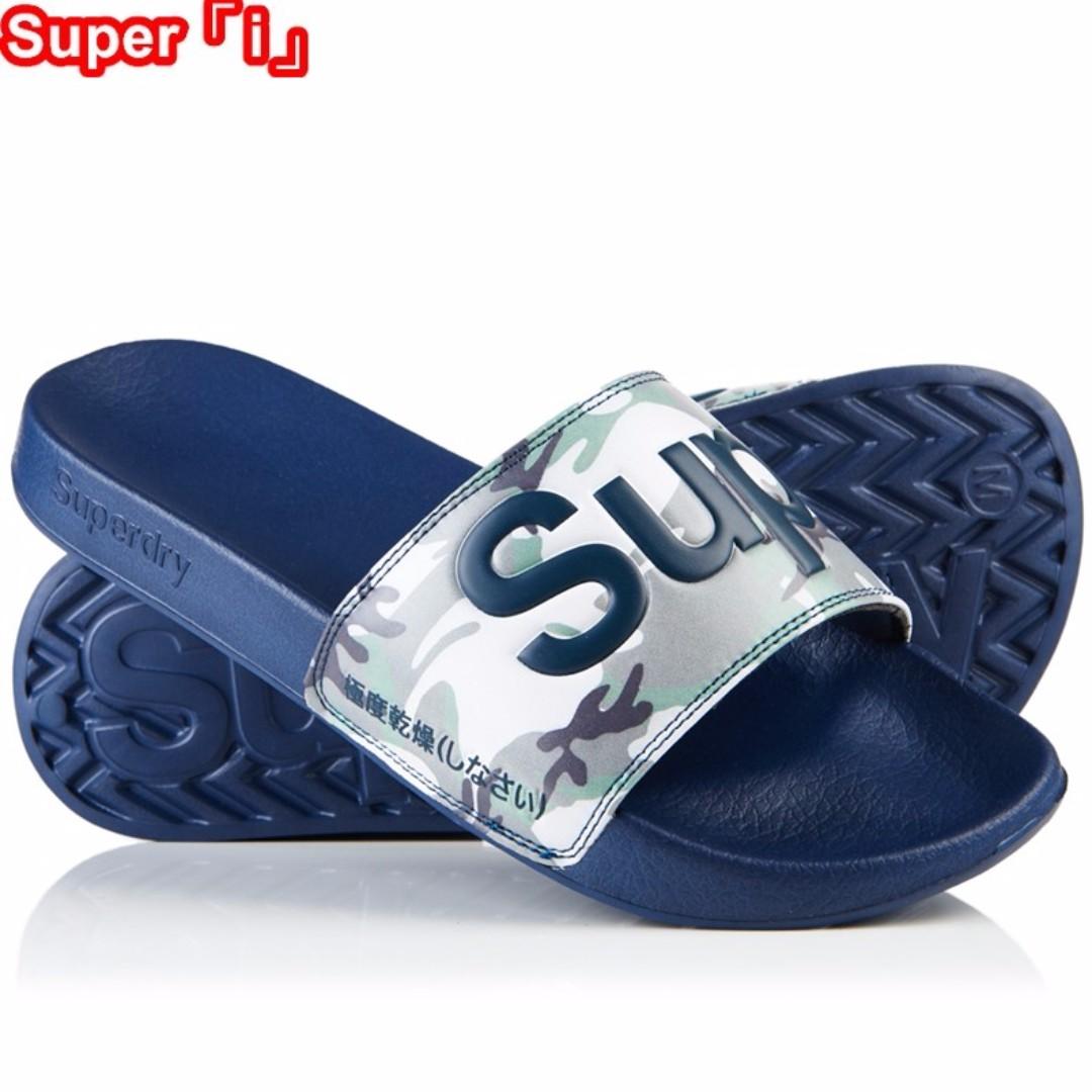 「i」【預購】極度乾燥 Superdry Pool Slider 迷彩藍 大LOGO 休閒運動拖鞋 海灘拖