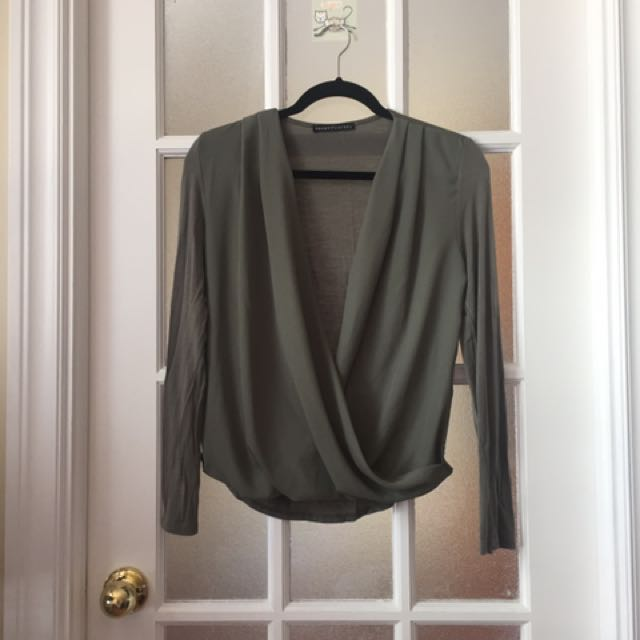 M Boutique Long Sleeve Top (small)
