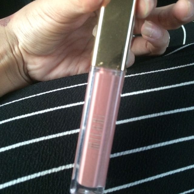 MILANI ADORABLE MATTE LIQUID LIPSTICK