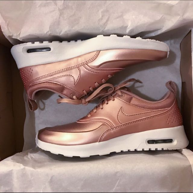 save off 75b04 46950 Nike Air Max Thea SE Metallic Rose Gold, Women s Fashion, Shoes on Carousell