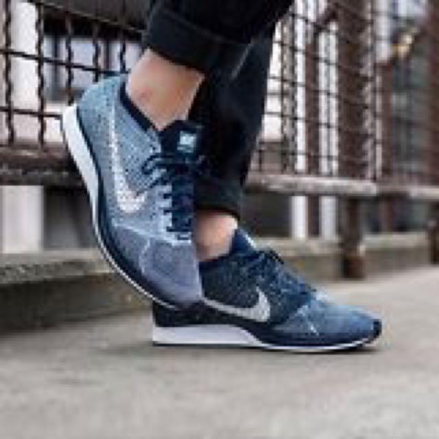 Nike Flyknit Racer藍色