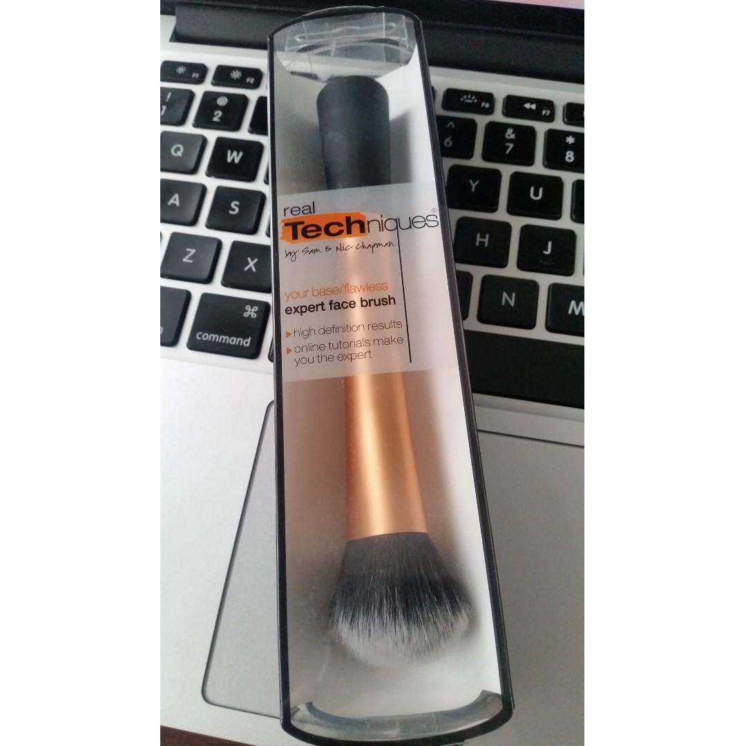 Real Techniques Expert Face Brush/Foundation Brush