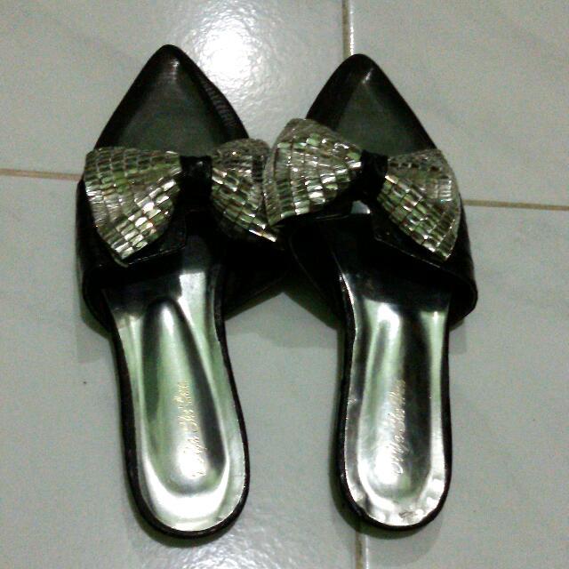 Slip-on shoes/sandals