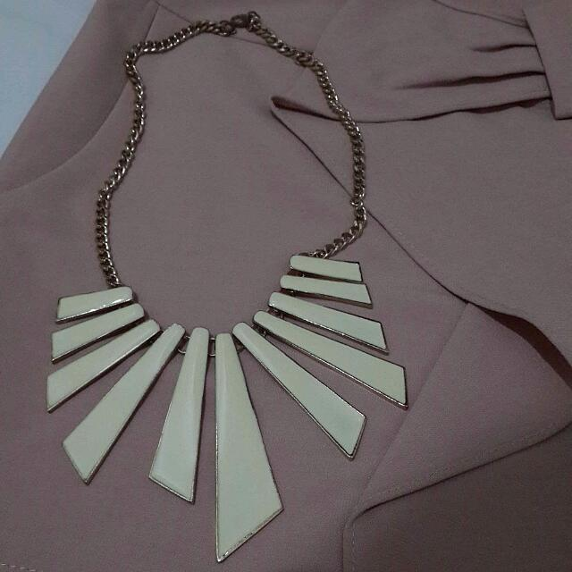 Tribal Creme Necklace