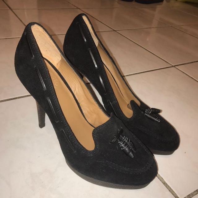 Uterqüe黑色高跟鞋