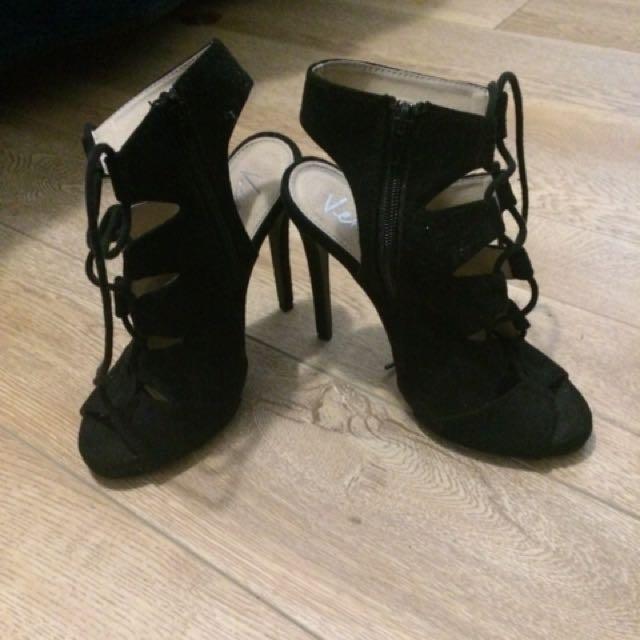 Verali Black Heels