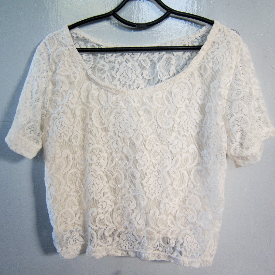 White lacy top (S-M)