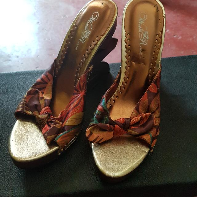Wild Rose Ladies Shoes From Canada