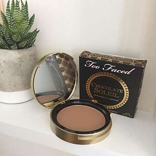 "Too Faced ""Chocolate Soleil Matte Bronzer"" In Medium/Deep"