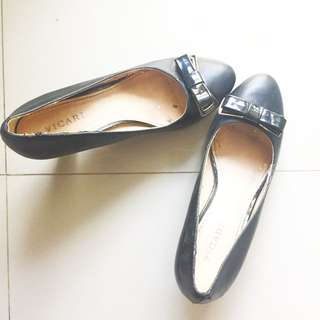 High heels hitam - Vicari