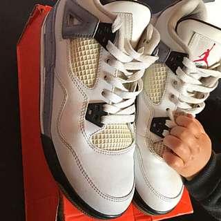 Air Jordan Retro 4 - Cement