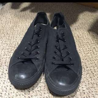 Selling White And Black Converse