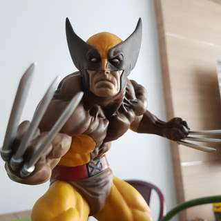 Kotobukiya Wolverine Statue (Brown Costume)