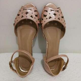(Repriced) Parisian Flat Sandals