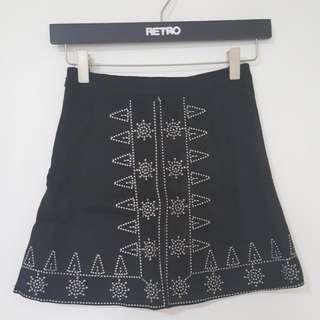 Black Embroidered Skirt [T-9]