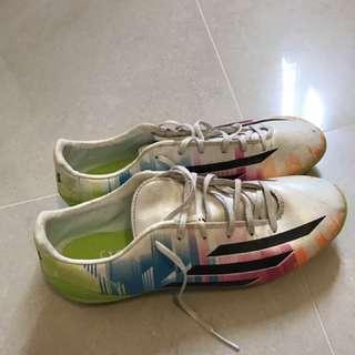 🚚 梅西足球鞋(Adidas)