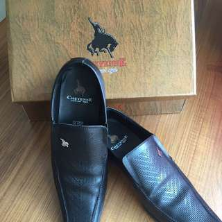 Preloved Leather Shoes