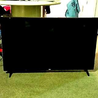 LG 43'' FHD SMART TV