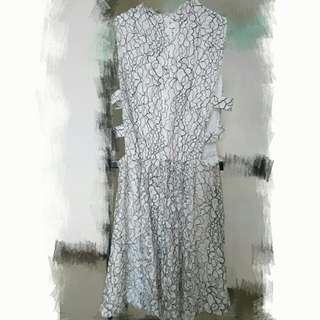 Marjorie 瑪裘瑞 獨特雕花蕾絲短洋裝