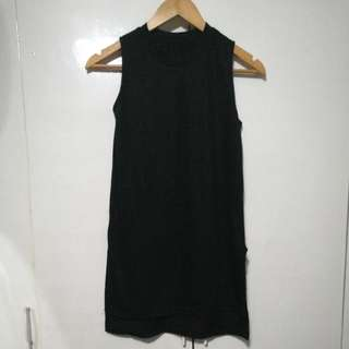 Long Black Sleevless Top