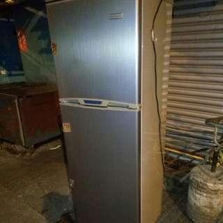 深宵特價自取,1.6M高雙門雪櫃