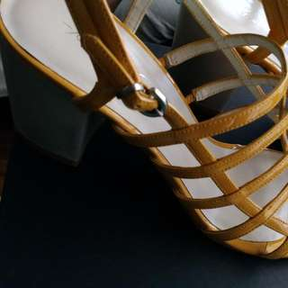Kenneth Cole Chunky Heels - Size 7