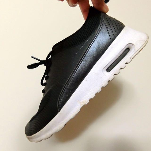 24 Nike Airmax THEA