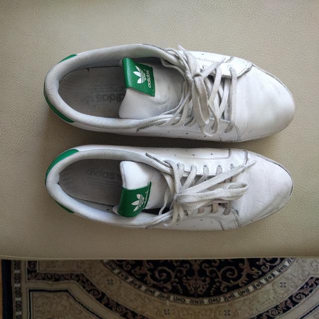 Adidas Miss Stan Smiths (Size 7)