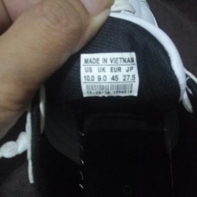 ADIDAS SUPERSTAR WHITE with Black Stripes (Good as New) size 10 US. Class A good Copy