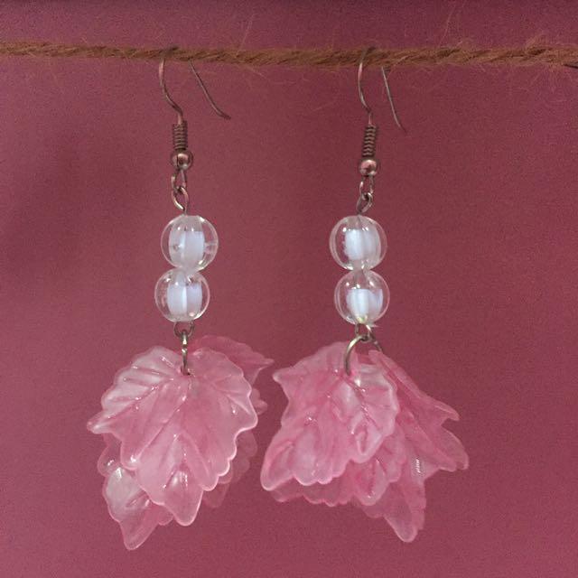 Anting/earrings Daun