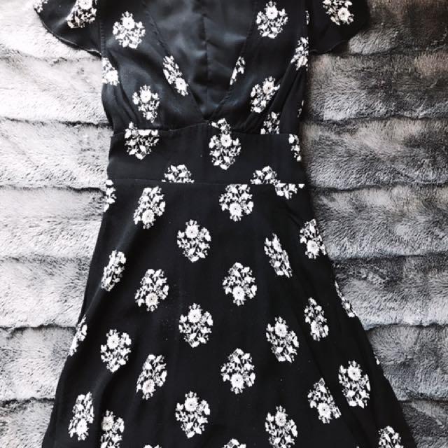Aritzia Sunday Best Rand Dress